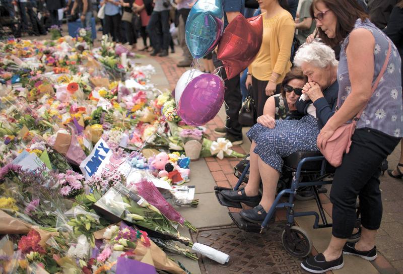 פיגוע ההתאבדות במנצ'סטר (צילום: Emilio Morenatti, אי־פי)