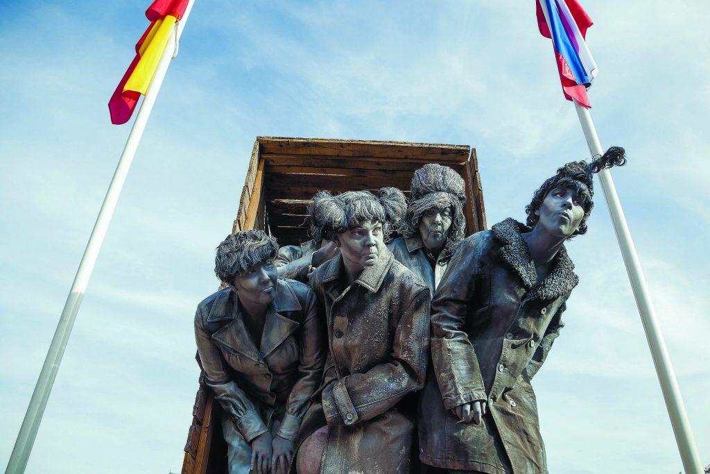 """פסלים חיים (צילום יח""""צ)"""