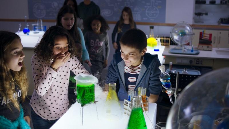 קייטנות מדע וטכנולוגיה