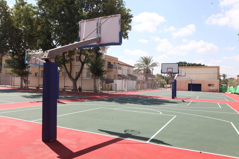 מגרש הכדורסל הפתוח בקציר (צילום: אולפני רחובות)
