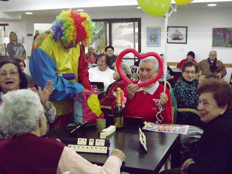 """פעילות במרכז היום לקשיש (צילום: עמותת על""""ה רחובות)"""