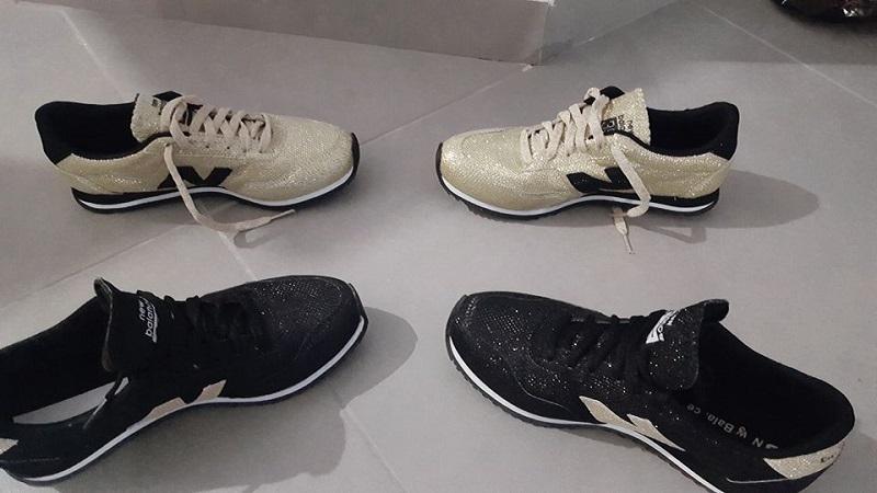 נעליים שהוצגו למכירה בדף הפייסבוק של החשודה
