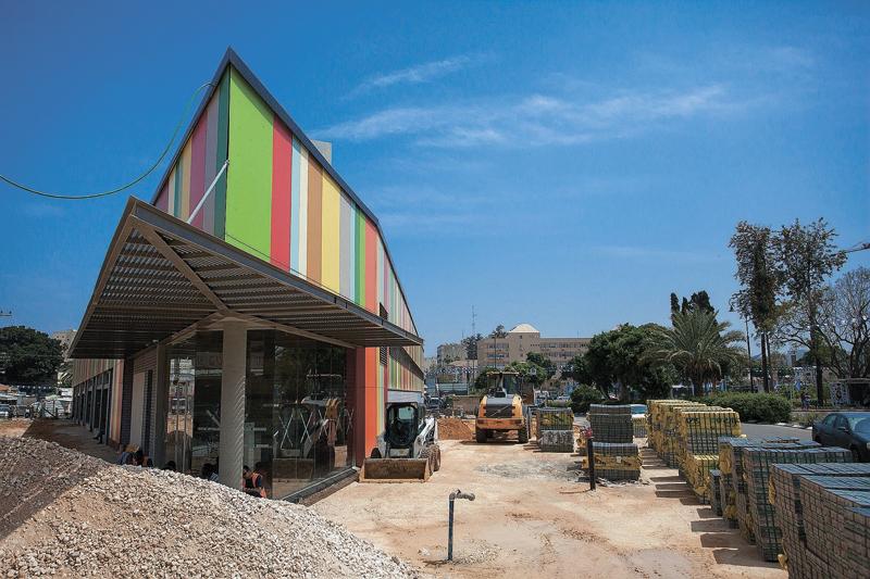השוק העירוני החדש במהלך הבנייה (צילום ג'ני גפטרשוסטר)