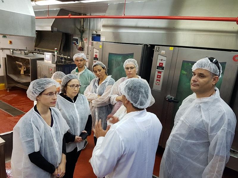 הסיור במפעלי המזון