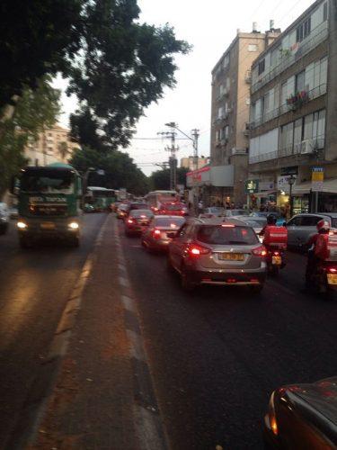 פקקי התנועה שנוצרו ברחוב הרצל