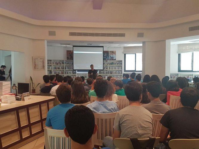 גולן ביטון במפגש עם התלמידים