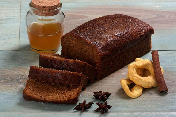 עוגת דבש קלאסית (צילום: אלעד גוטמן)