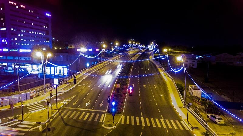 התאורה הדקורטיבית ברחבי רחובות