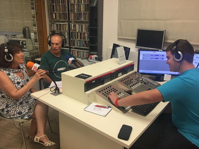 """רדיו קול השפלה ועמותת על""""ה. מימין: גפן שנרך, אריק אדלר ואירית המברג (צילום: אופק בודאי)"""