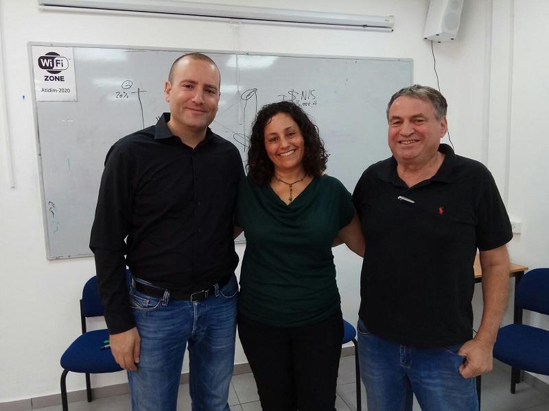 מימין: עוזי דיין, אורלי הלל ומתן דיל