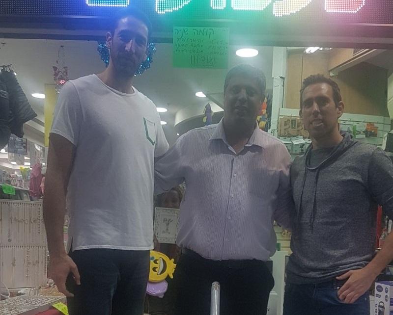 מימין: מורן רוט, אמיתי כהן ויניב גרין