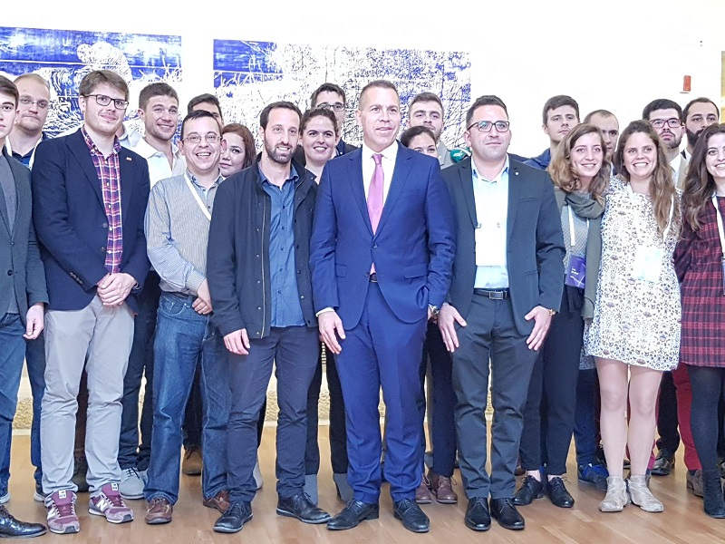 אביב איטח, גלעד ארדן ונציגי הסטודנטים מאירופה