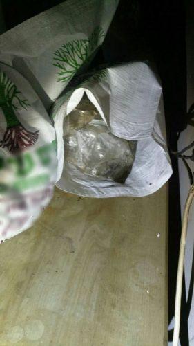 סמים שנמצאו בדירה (צילום: דוברות המשטרה)