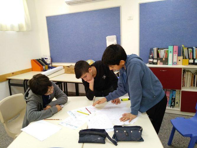 תלמידי בית הספר ניצני המדע