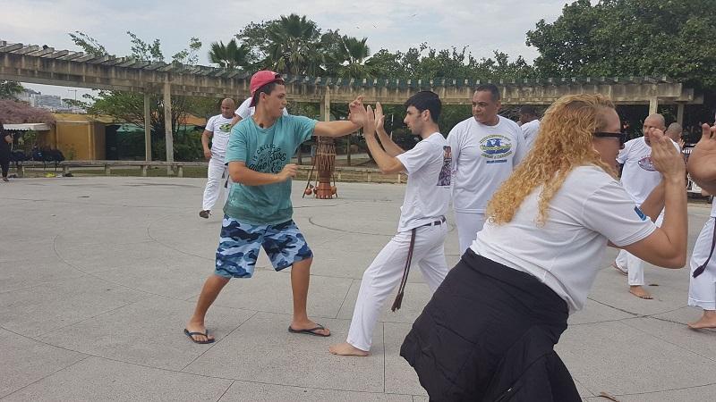 פעילות בריו שבברזיל עם נוער בסיכון (צילום: שגרירות ישראל בברזיל)