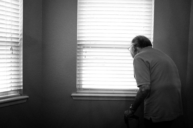 איש קשיש צילום אילוסטרציה