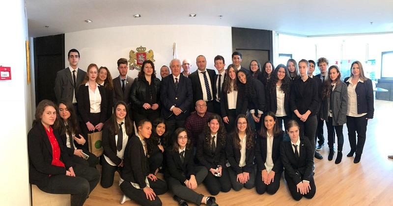 השגרירים הצעירים מרחובות עם שגריר גיאורגיה בישראל