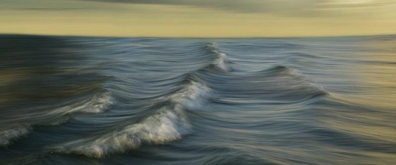 גלי הים (צילום: איתן ויתקון)