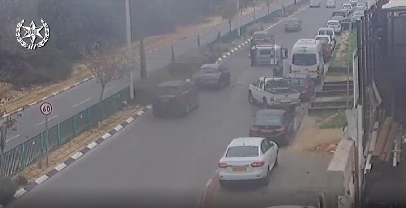 גנב רכבים באמצעות גרר (צילום: דוברות המשטרה)