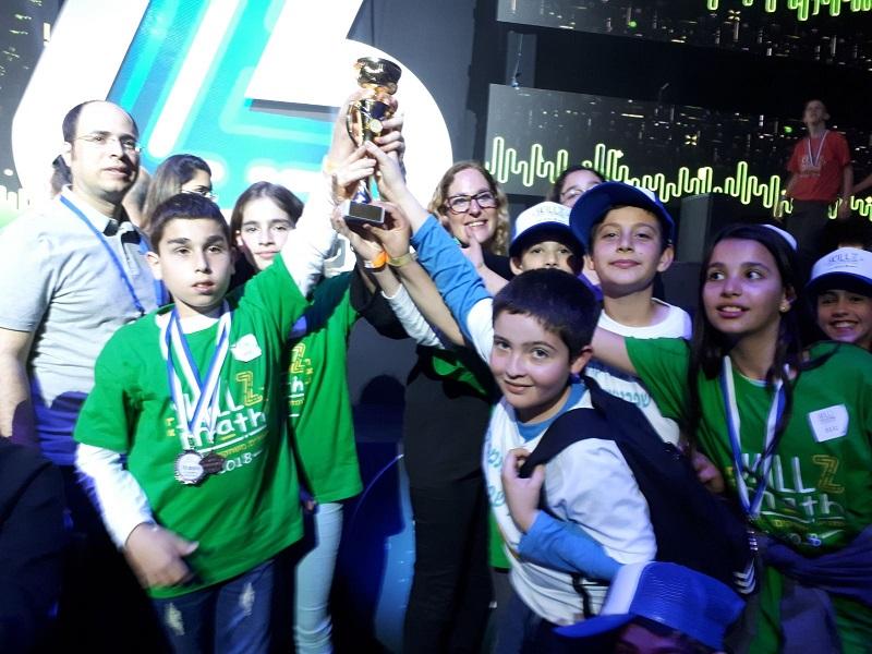 תלמידי שפרינצק עם הזכייה במקום השני באליפות המתמטיקה הארצית