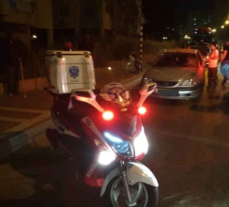 זירת התאונה בכיכר שמשון צור (צילום: דוברות איחוד הצלה)