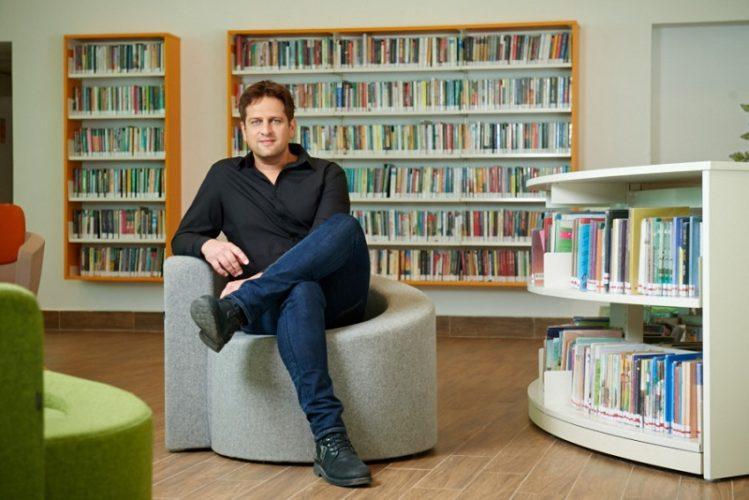 יניב מרקוביץ' בספריית רחובות החדשה