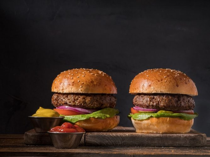 המבורגר BBB (צילום: אנטולי מיכאלו)