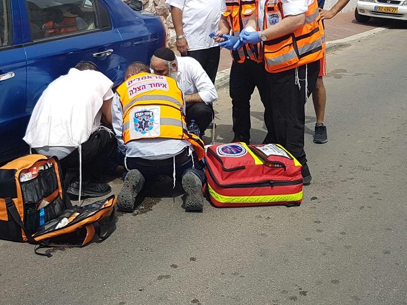 זירת התאונה ברחובות (צילום: דוברות איחוד הצלה)