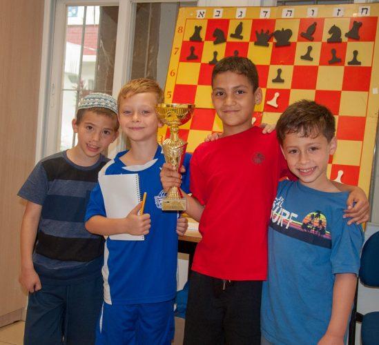 אלופי השחמט הצעירים מרחובות