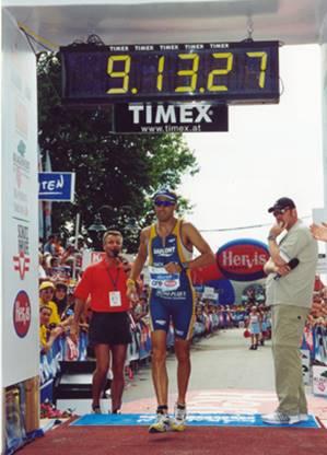 שי פיפמן קובע שיא באוסטרליה בתחרות איש הברזל
