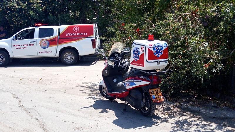 זירת התאונה ברחובות (צילום: דוד שמח, דוברות איחוד הצלה)