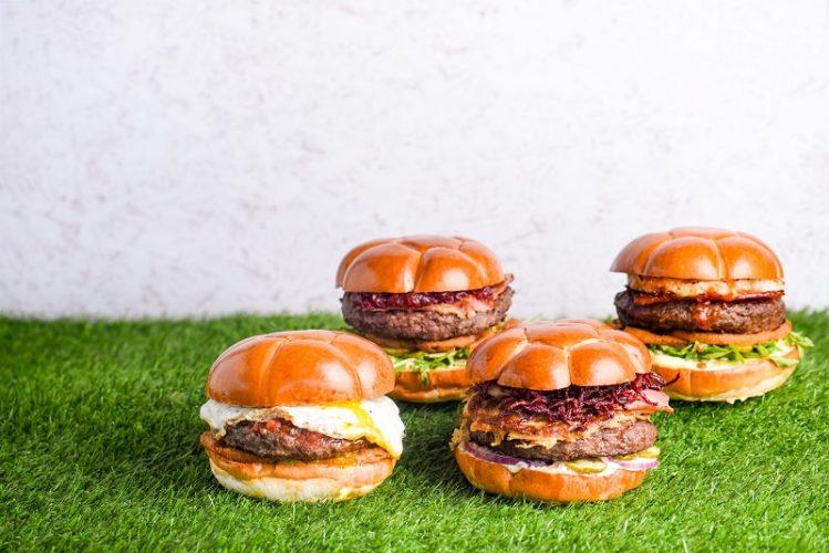 המבורגרים בצורת כדוררגל ברשת BBB (צילום: אסף לוי)