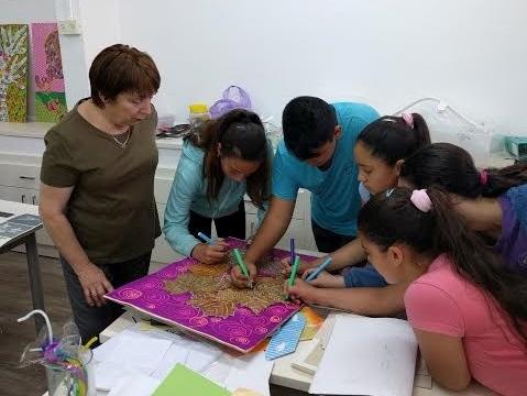 מתנדבת ידיד לחינוך בראשון לציון