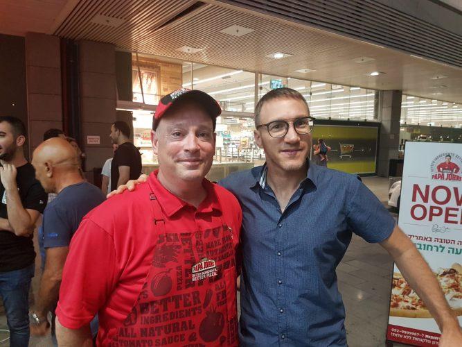 אסף גרינברג (משמאל)