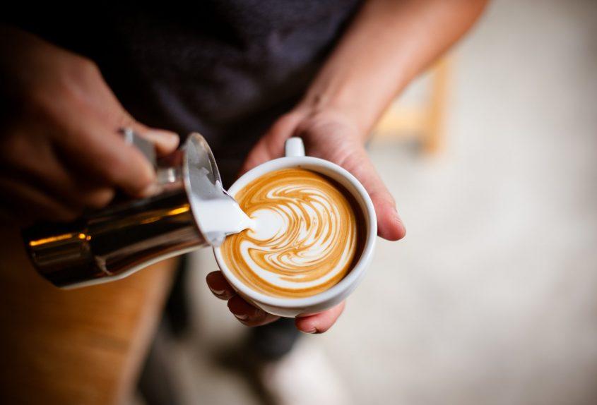 """משאל """"הקפה של רחובות"""" (מאגר: Shutterstock)"""