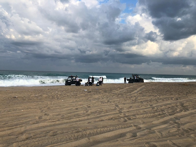 """זירת הטביעה בחוף פלמחים (צילום: דוברות מד""""א)"""