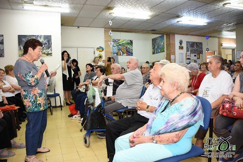 אירוע השקת ספר הזכרונות של ניצולי השואה מעמותת עמך ברחובות (צילום: עידית מיארה)