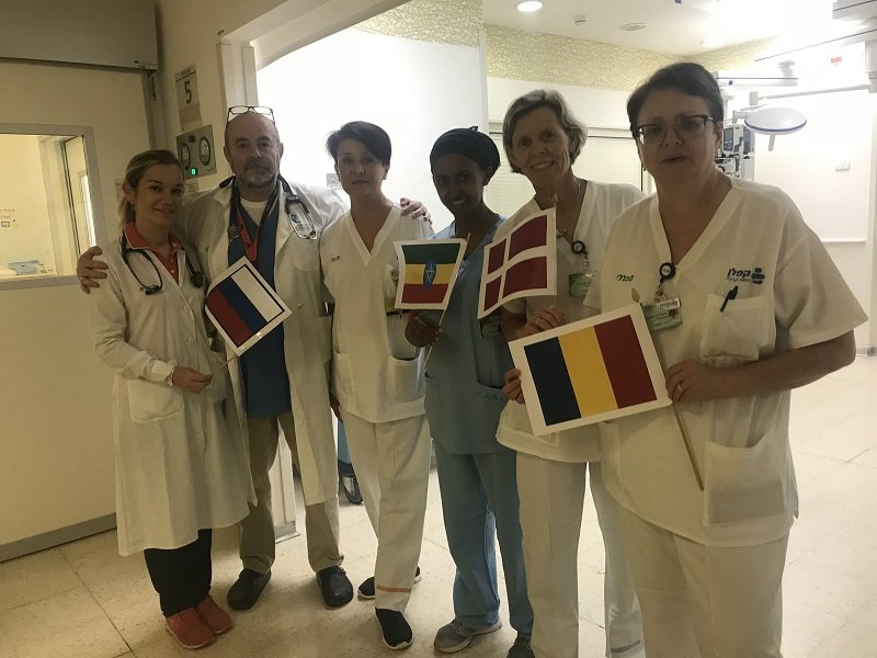 צוות טיפול נמרץ בקפלן המגיע מארצות שונות (צילום: אופיר לוי, קפלן)