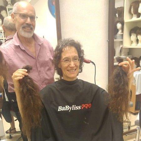 נילי אברמסקי לאחר תרומת השיער