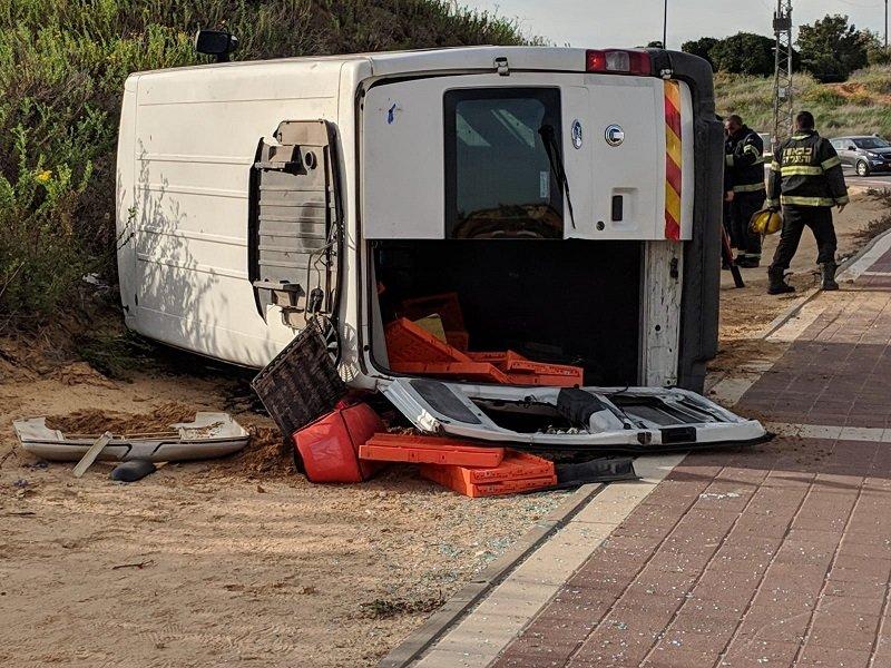 זירת התאונה ברחוב מנחם בגין ברחובות (צילום: דוברות איחוד הצלה)