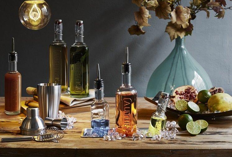 """סדרת בקבוקים לאחסון ומזיגת שמן ברשת ארקוסטיל קיטצ'ן (צילום: יח""""צ)"""