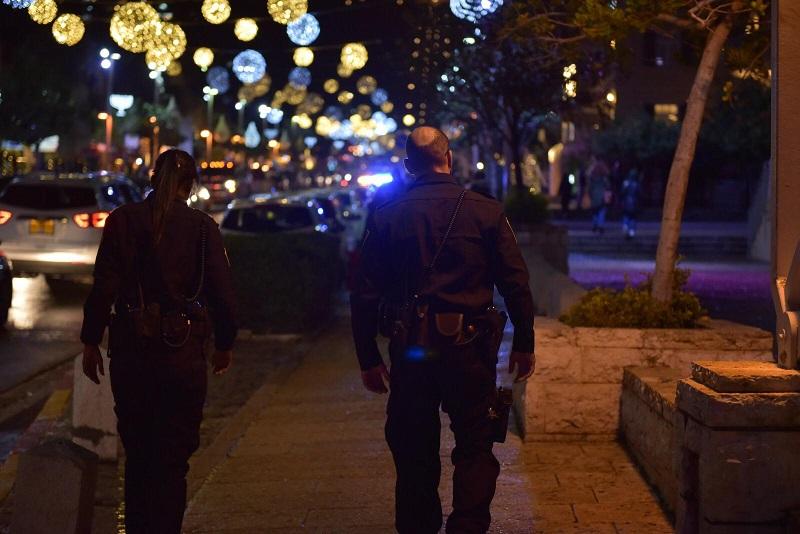 שוטרים במהלך חגיגות הסילבסטר (צילום: דוברות המשטרה)