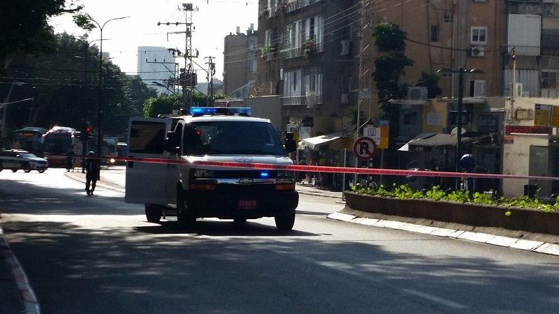 חפץ חשוד מול תחנת משטרת רחובות גרם לפקקי ענק (צילום: מיכל עוזרי)