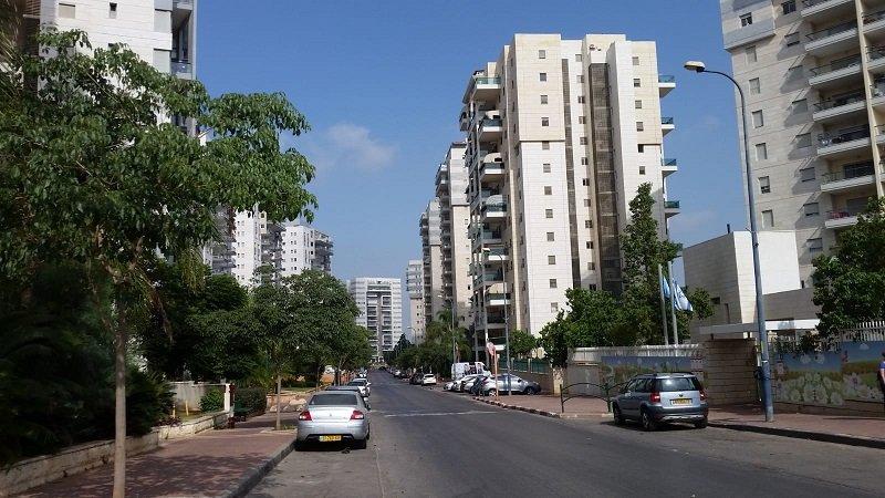 רחוב מקס שיין ברחובות החדשה (צילום: אלעד חיימוביץ')