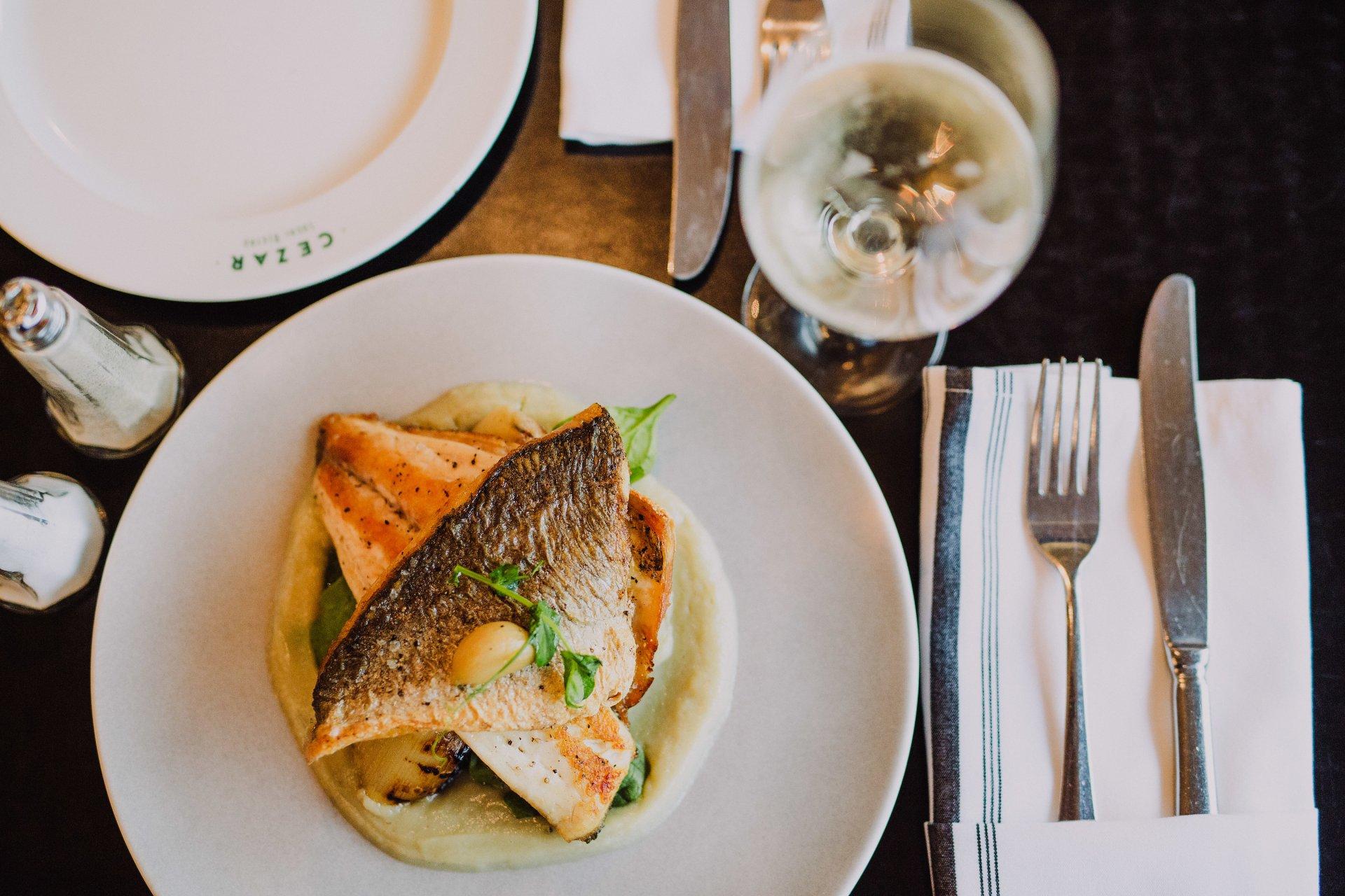 פילה דג ים של ביסטרו סזאר (צילום: אייל כהן)