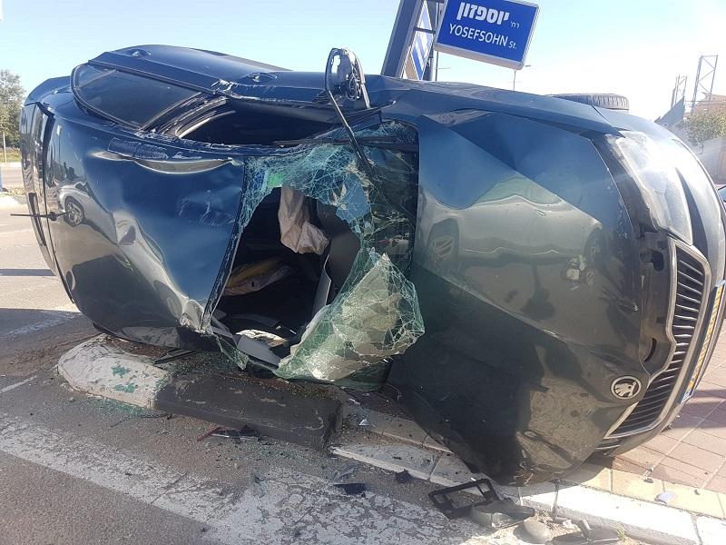 זירת התאונה בכביש העוקף (צילום: דוברות איחוד הצלה)