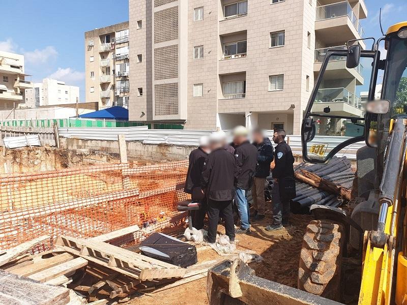 ביקורת פתע באתרי בנייה ברחובות