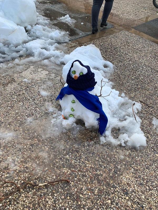 בובת שלג בקרית עקרון