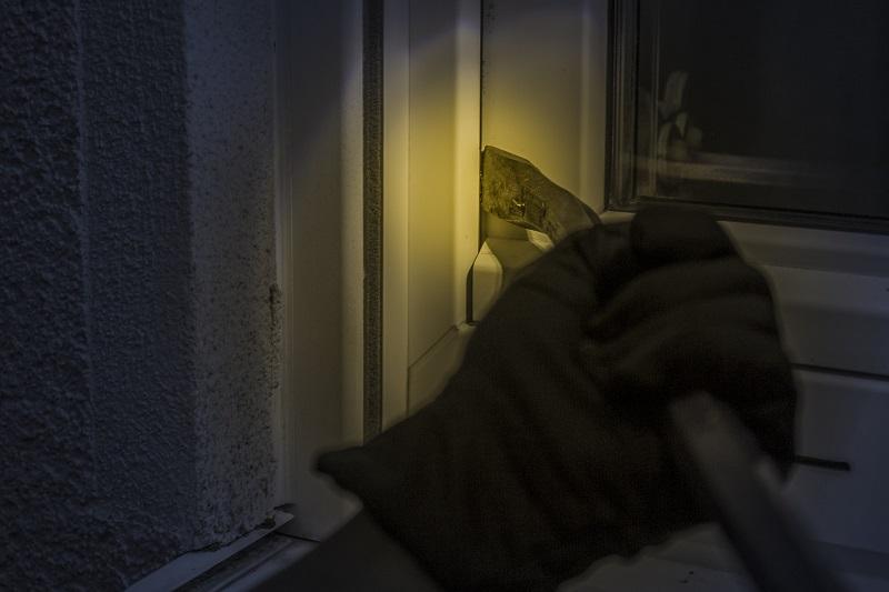 גנב שודד פורץ (צילום אילוסטרציה)