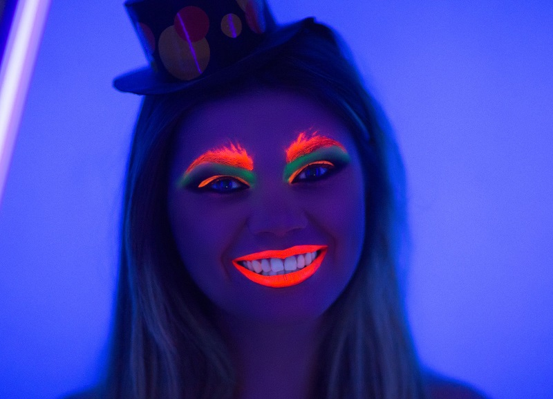 איפור בצבעי נאון של 'קמיון' (צילום: יח''צ)
